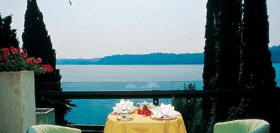 Hotel Salo Du Parc, Gulf of Salo, Italy - Terrace.jpg